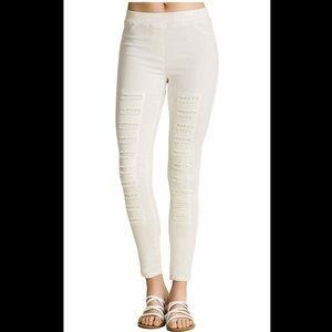 4 / $25 Umgee white distressed leggings 98